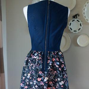 Bebe Dresses - NWT Bebe Dress size 8